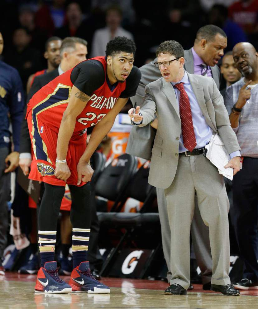 Anthony Davis out of lineup with foot injury _lowres