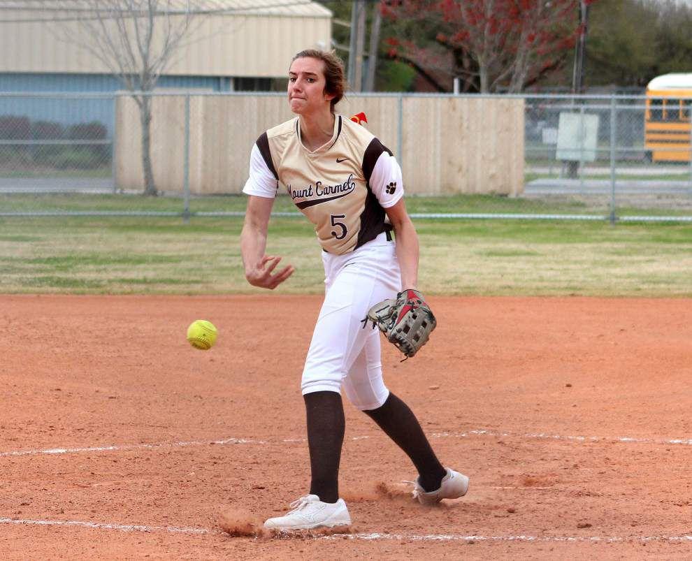 Softball: Mount Carmel surges past Cabrini _lowres