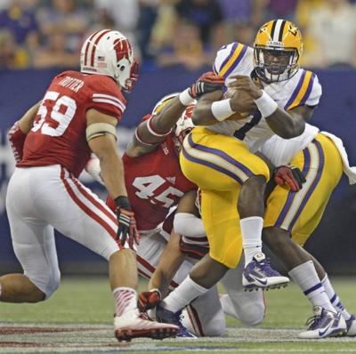 Les Miles defends debut of LSU running back Leonard Fournette _lowres
