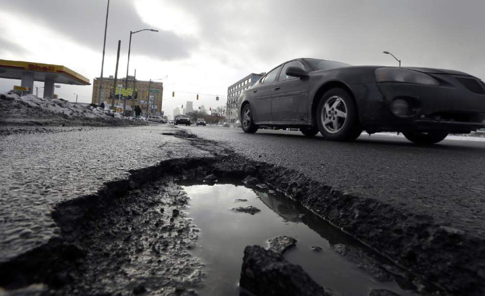 Poll: No agreement on how to pay for highways _lowres