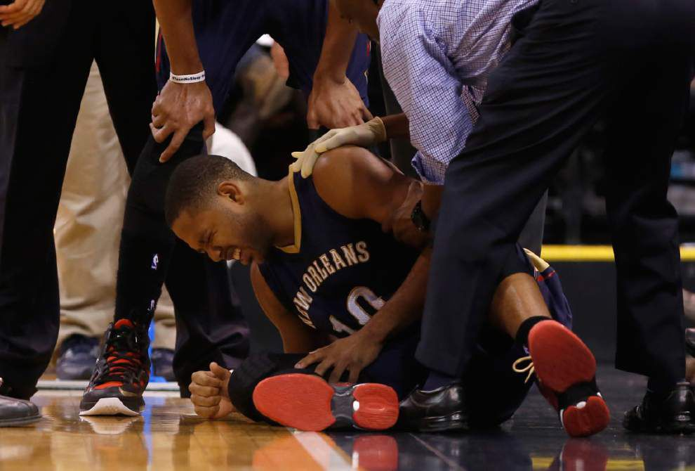 Pelicans guard Eric Gordon tested his injured shoulder and knocks back the time table on his return _lowres