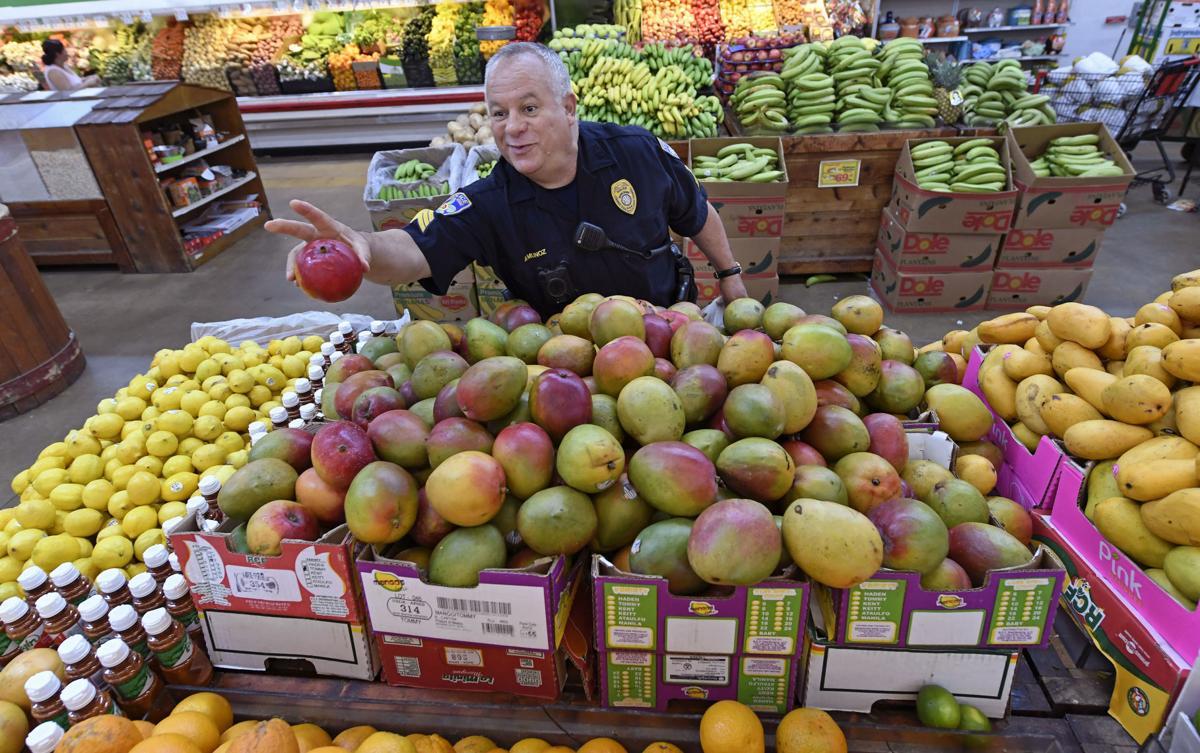 BR.immigrantspolice0012.adv bf.jpg