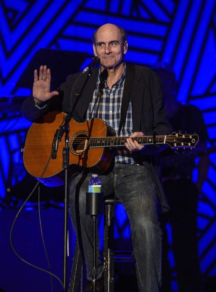 Relaxed, friendly concert is classic James Taylor _lowres