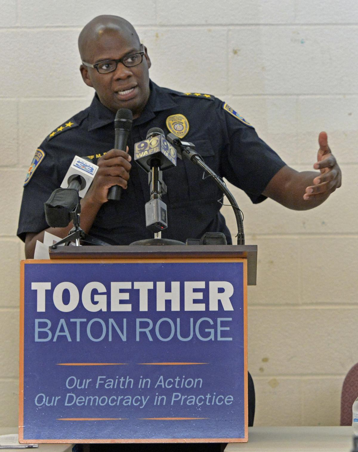 BR.policechief0035.040418 bf