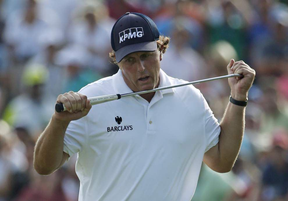 Rory McIlroy hangs on at PGA _lowres