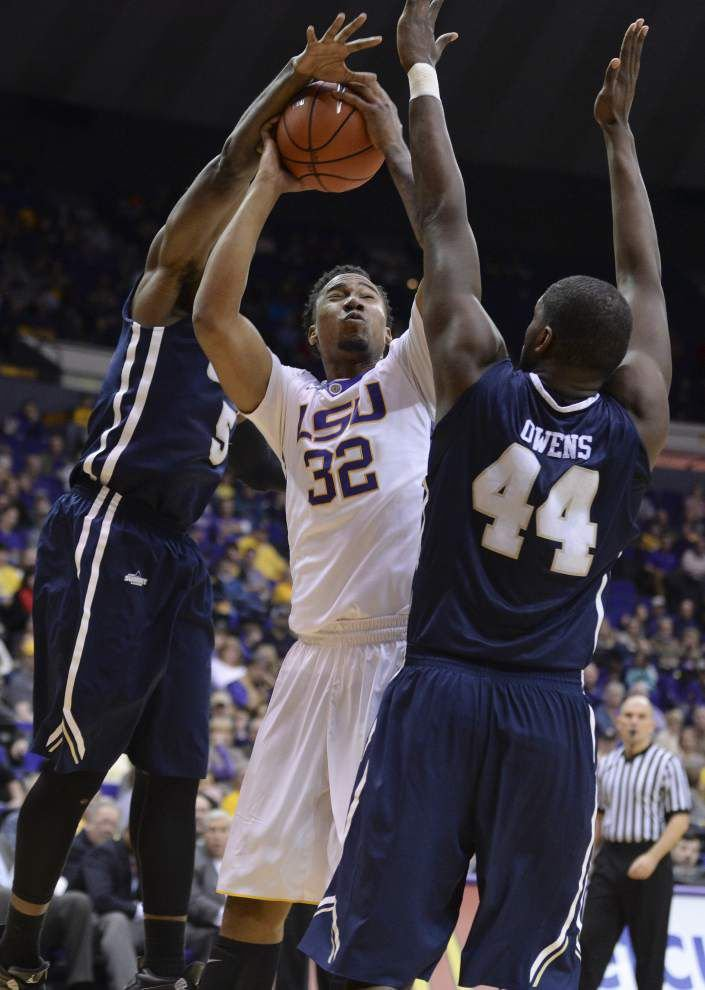 LSU basketball team starting to show what preseason excitement was about _lowres