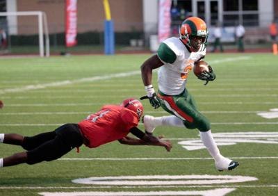 Carver moves to 4-0 with victory over Riverdale _lowres