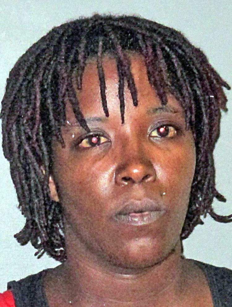 Baton Rouge woman accused in stabbing injury of girlfriend _lowres