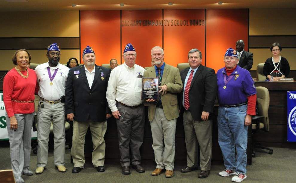 Zachary Elementary receives Purple Heart service award _lowres