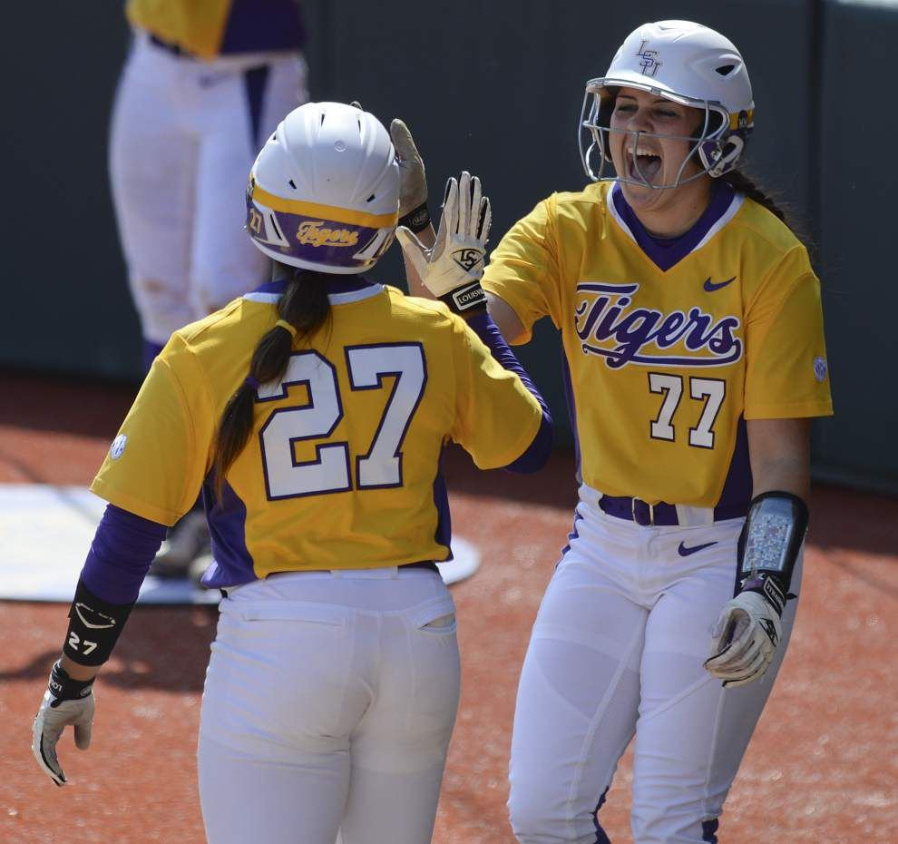 LSU softball team sweeps Ole Miss behind freshmen pitchers Carley Hoover, Allie Walljasper _lowres