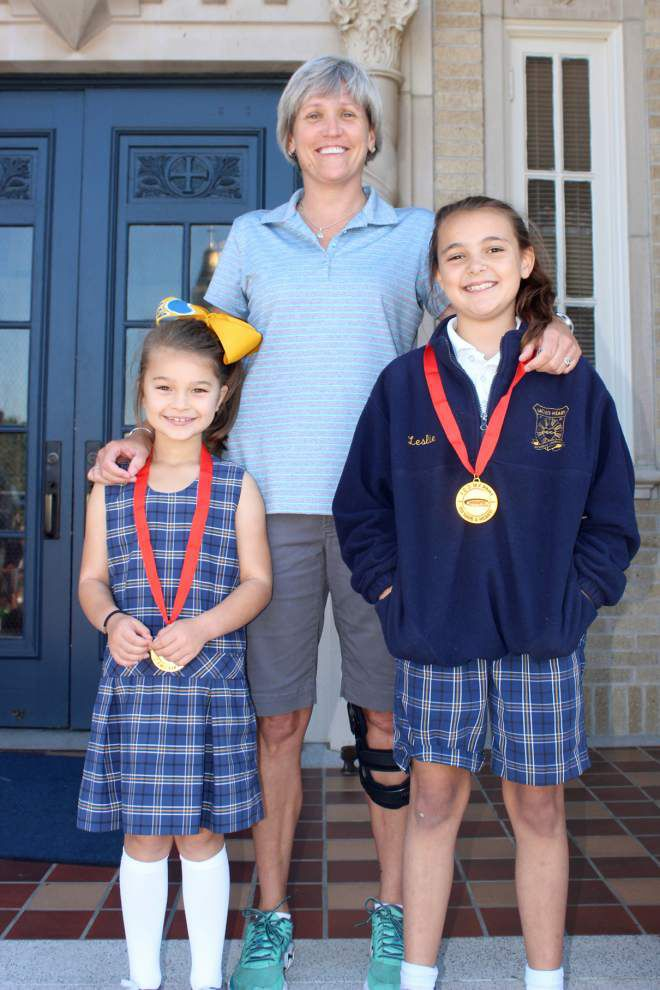 Sacred Heart School 'Dear Neighbor' projects serve its community _lowres