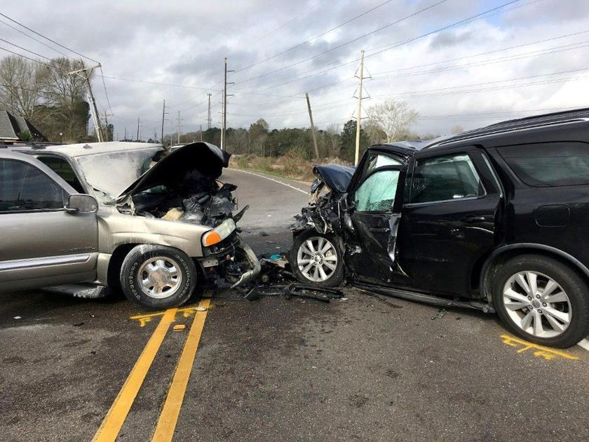 Police: Speed, impairment suspected in Walker crash that killed 1, injured 2 children and adult