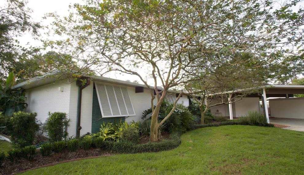 Retired architects go tropical with redesign to create 'very un-Baton Rouge house' _lowres