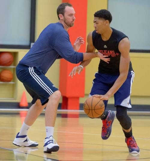 Davis one of 19 chosen to USA basketball roster _lowres