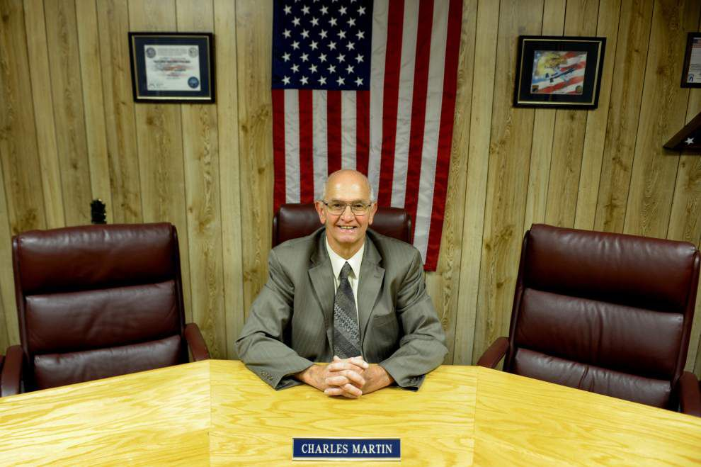 Springfield aldermen accept police chief's resignation; mayor still faces charges in ticket-fixing scheme _lowres