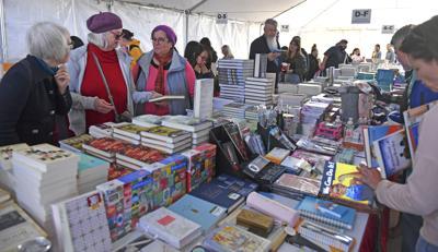 BR.bookfestival.110319 HS 608.JPG