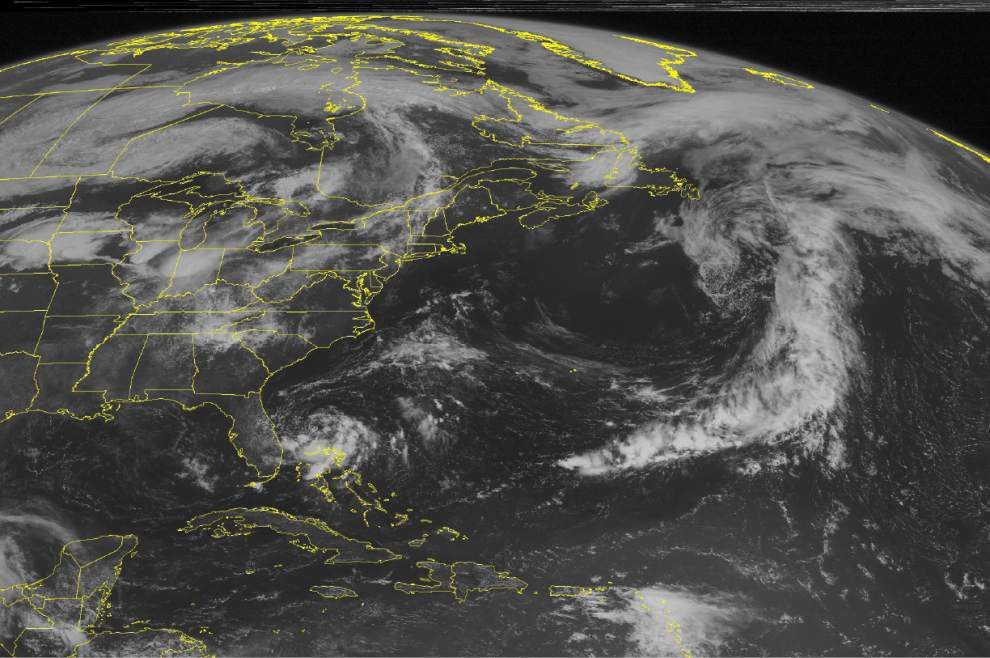 Depression near Florida expected to strengthen _lowres