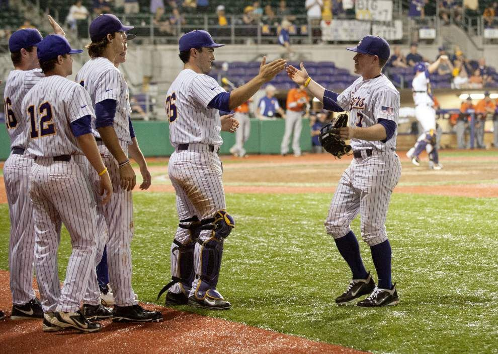 LSU gets historic in 27-0 rout of Northwestern State _lowres