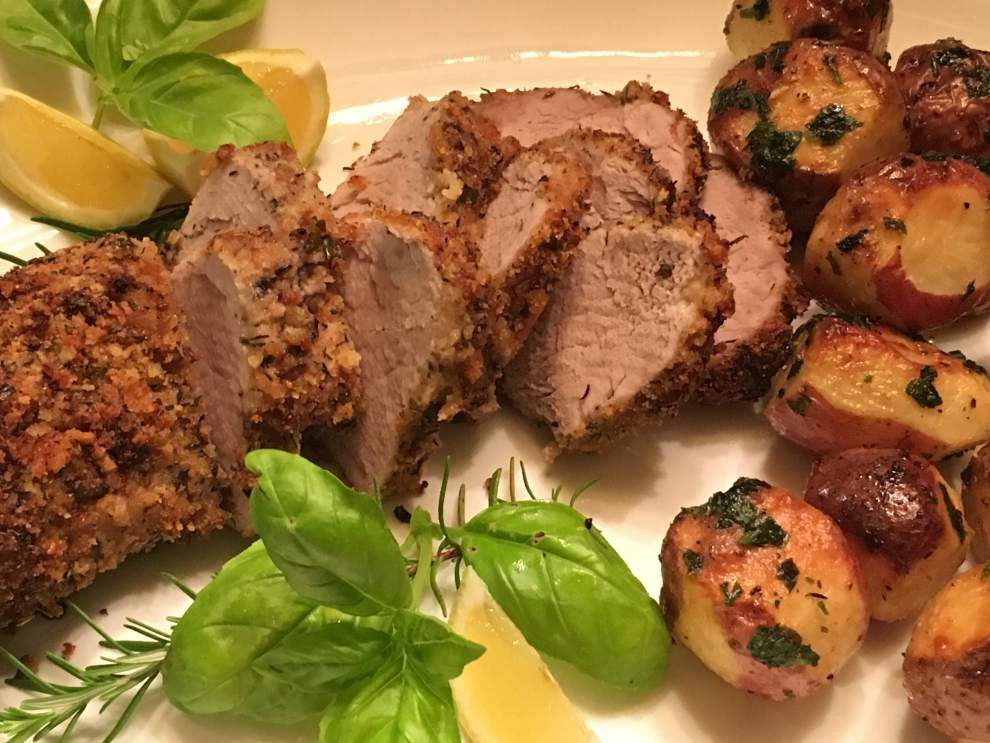 Pork Tenderloin with Baked New Potatoes _lowres