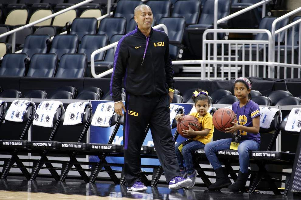 Live updates from LSU's basketball press conferences with Johnny Jones and Jarell Martin _lowres