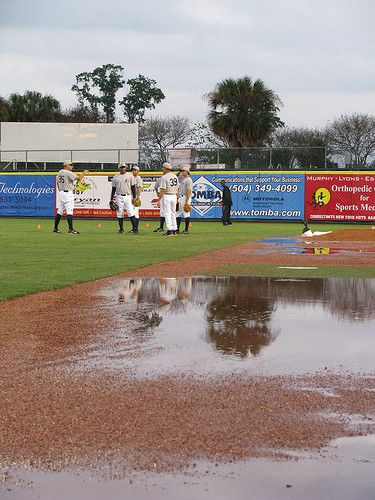 Zephyrs first practice wet, kinda smelly; die-hards don't mind_lowres