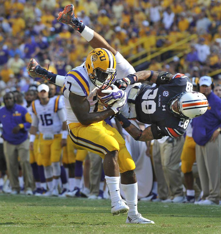 'They're our stepmothers': LSU's offensive line paves way for Leonard Fournette's banner day _lowres