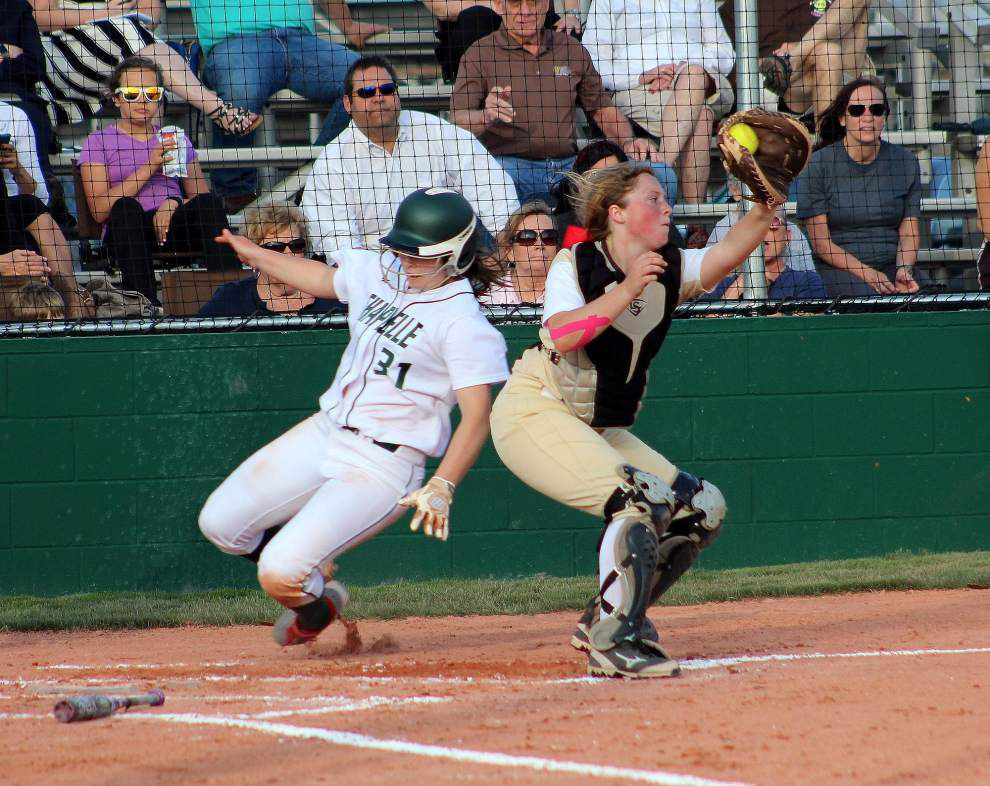 Mount Carmel softball team rallies in seventh for win over Chapelle _lowres