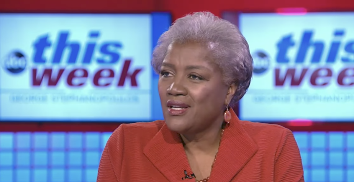 Former DNC chair Donna Brazile signs deal to become pundit for Fox News