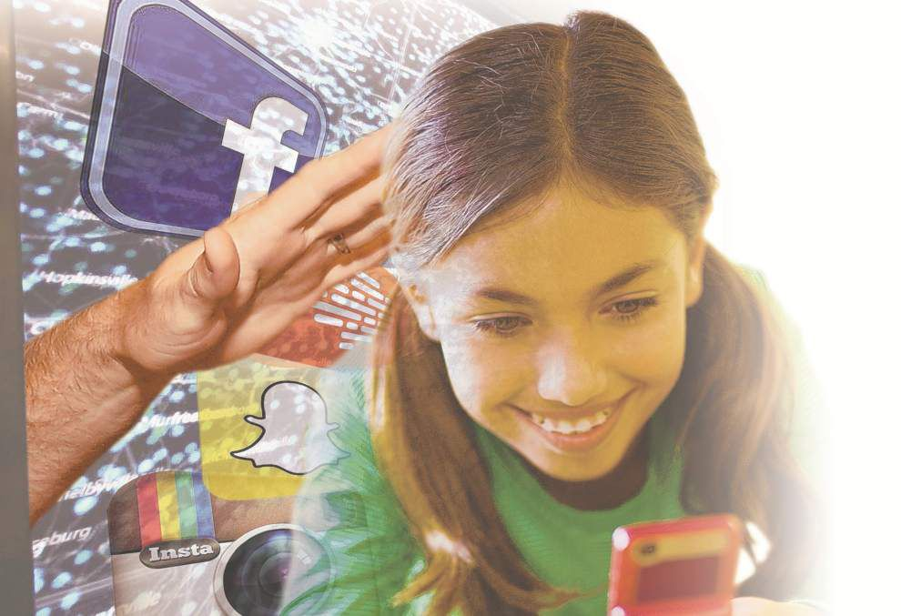 Authorities urge parents to keep close eye on their kids' Web activity _lowres