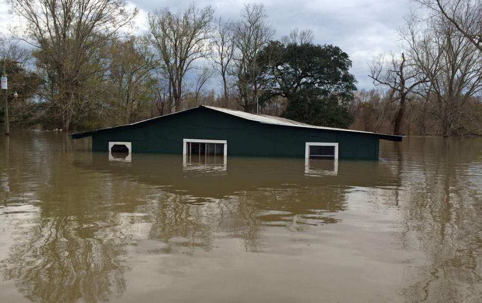 Floodwaters start to recede _lowres