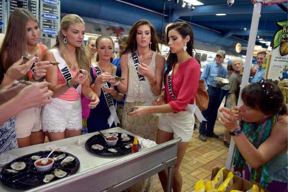 Photos: Miss USA contestants visit Tony's _lowres
