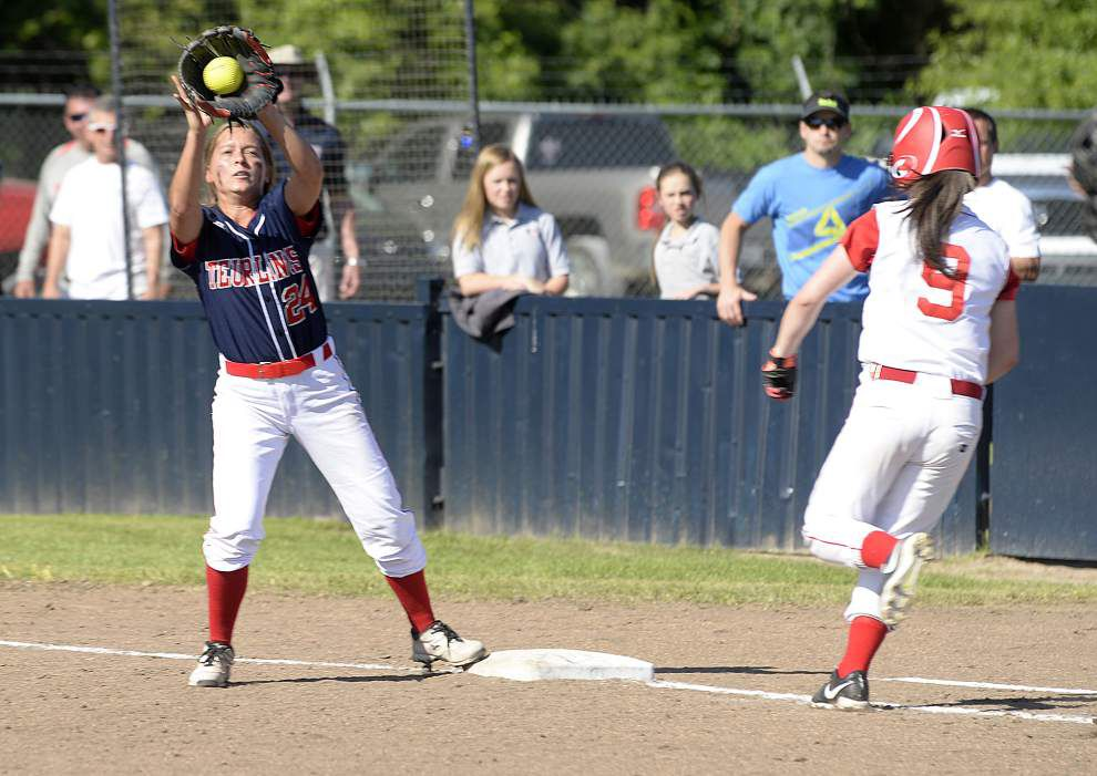 Teurlings cruises past Pearl River in softball playoffs _lowres