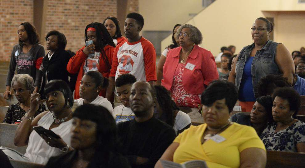 Photos, video: Evening of Remembrance held for those lost to violence _lowres