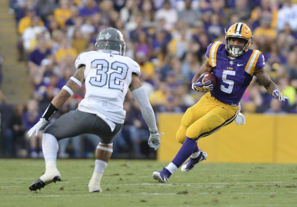 LSU's Derrius Guice runs for murdered father, hard-working mom, hard-driving coaches _lowres