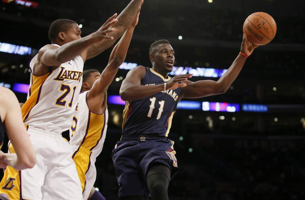 Anthony Davis overtakes Kobe Bryant for scoring lead as Pelicans top Lakers 104-87 _lowres