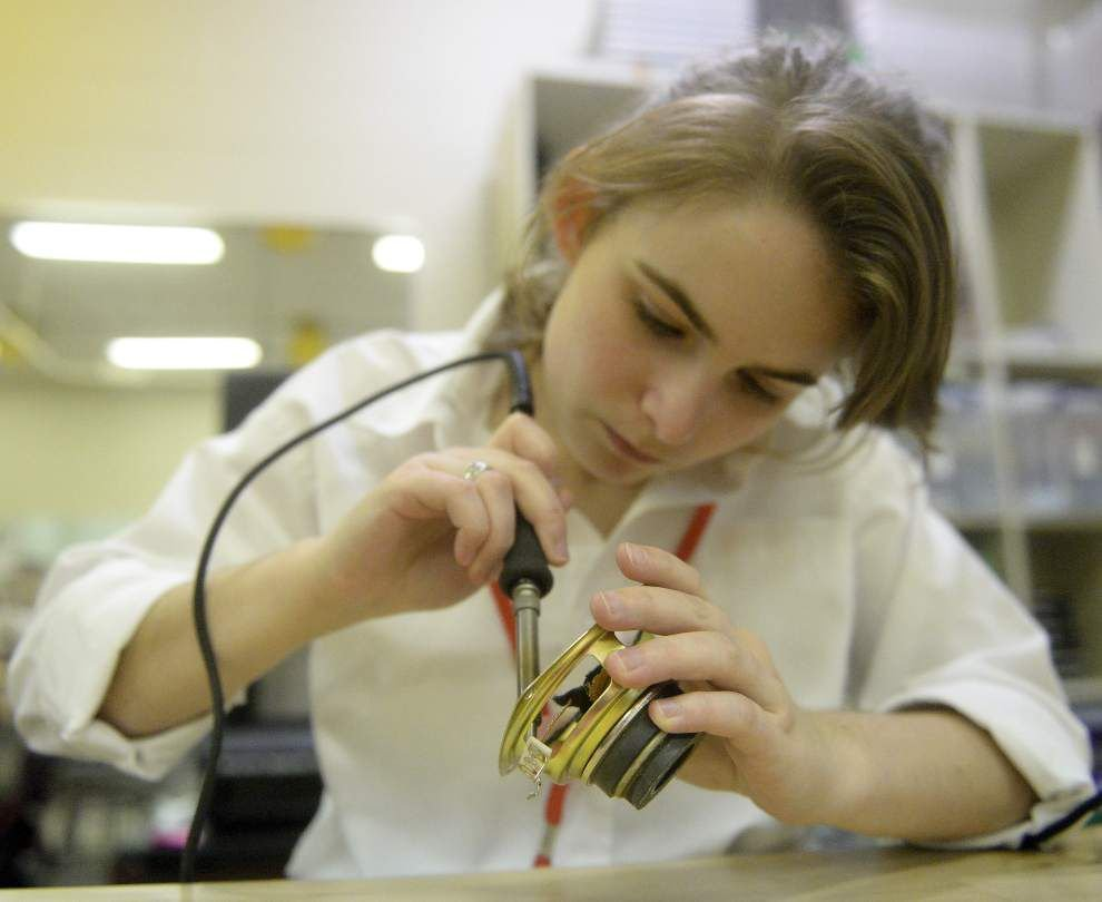 STEM Lab at St. Joseph's Academy 'breaks down intimidation factor,' teaches girls a trial-and-error approach _lowres