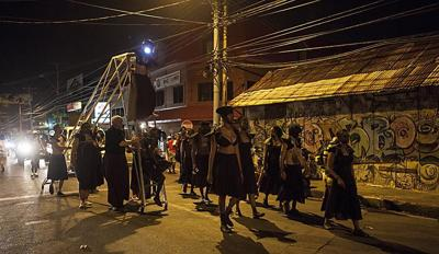 En Mas: Carnival and Performance Art of the Caribbean_lowres