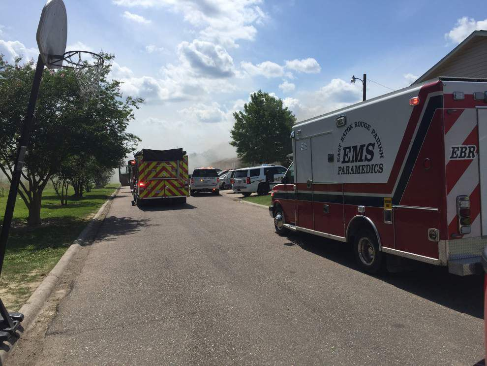 Two people injured in Baton Rouge apartment fire _lowres