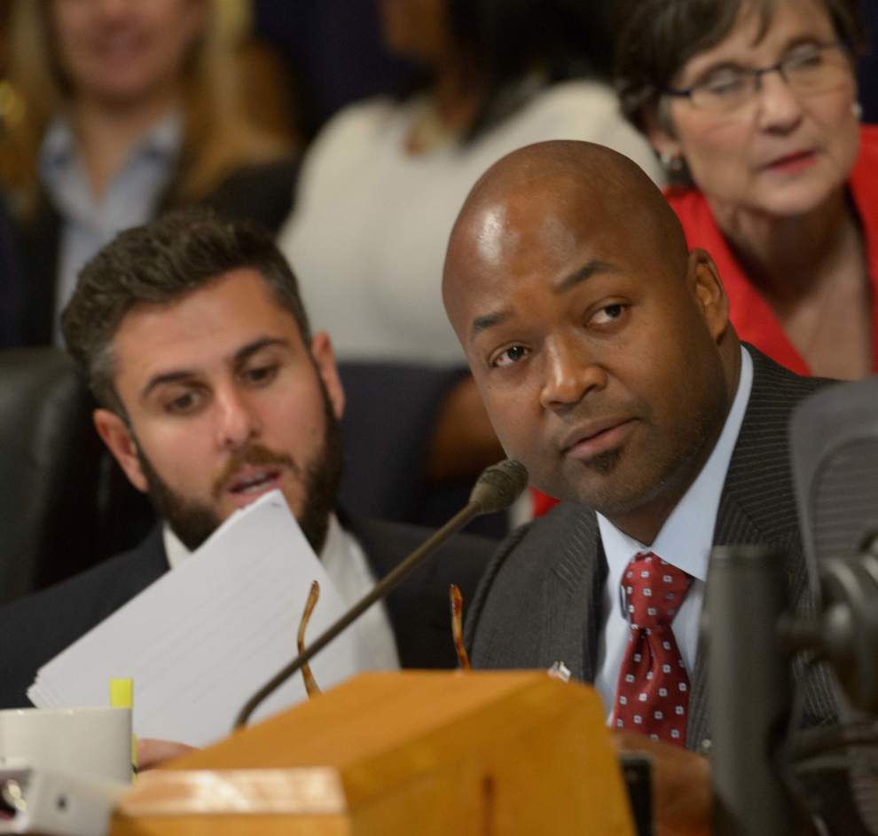 City Council approves energy advisers\' contracts after dust-up ...