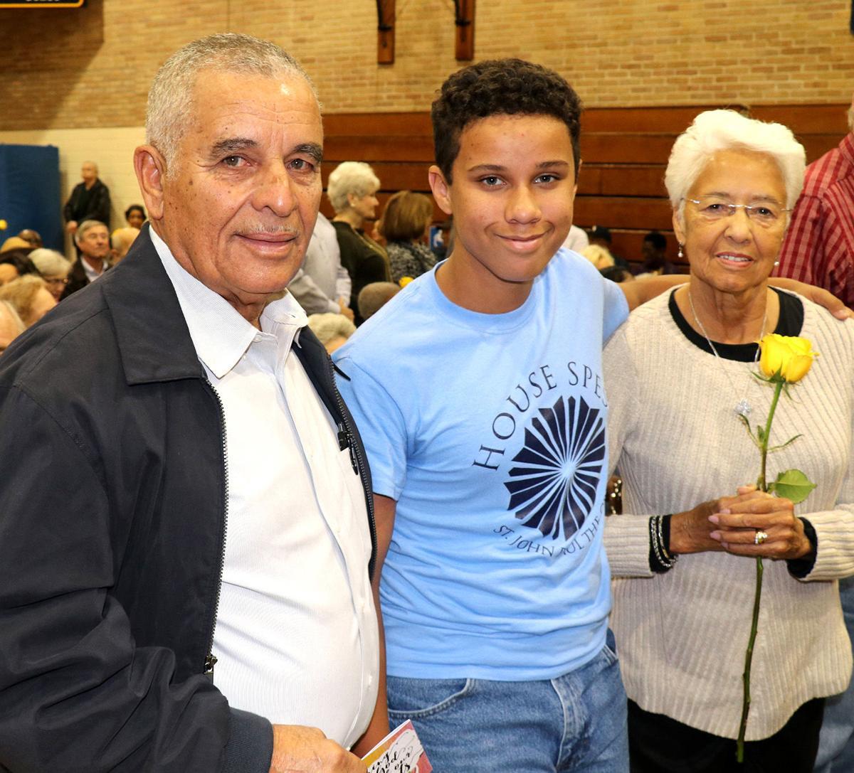 Sacred_Heart_grandparents_Robert