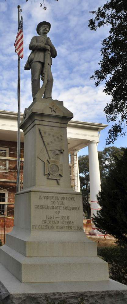 Police Jury eyes removal of statue _lowres