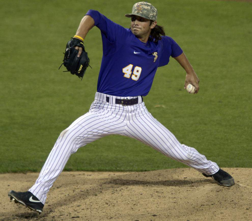 Pitchers have a grip on new college baseball _lowres