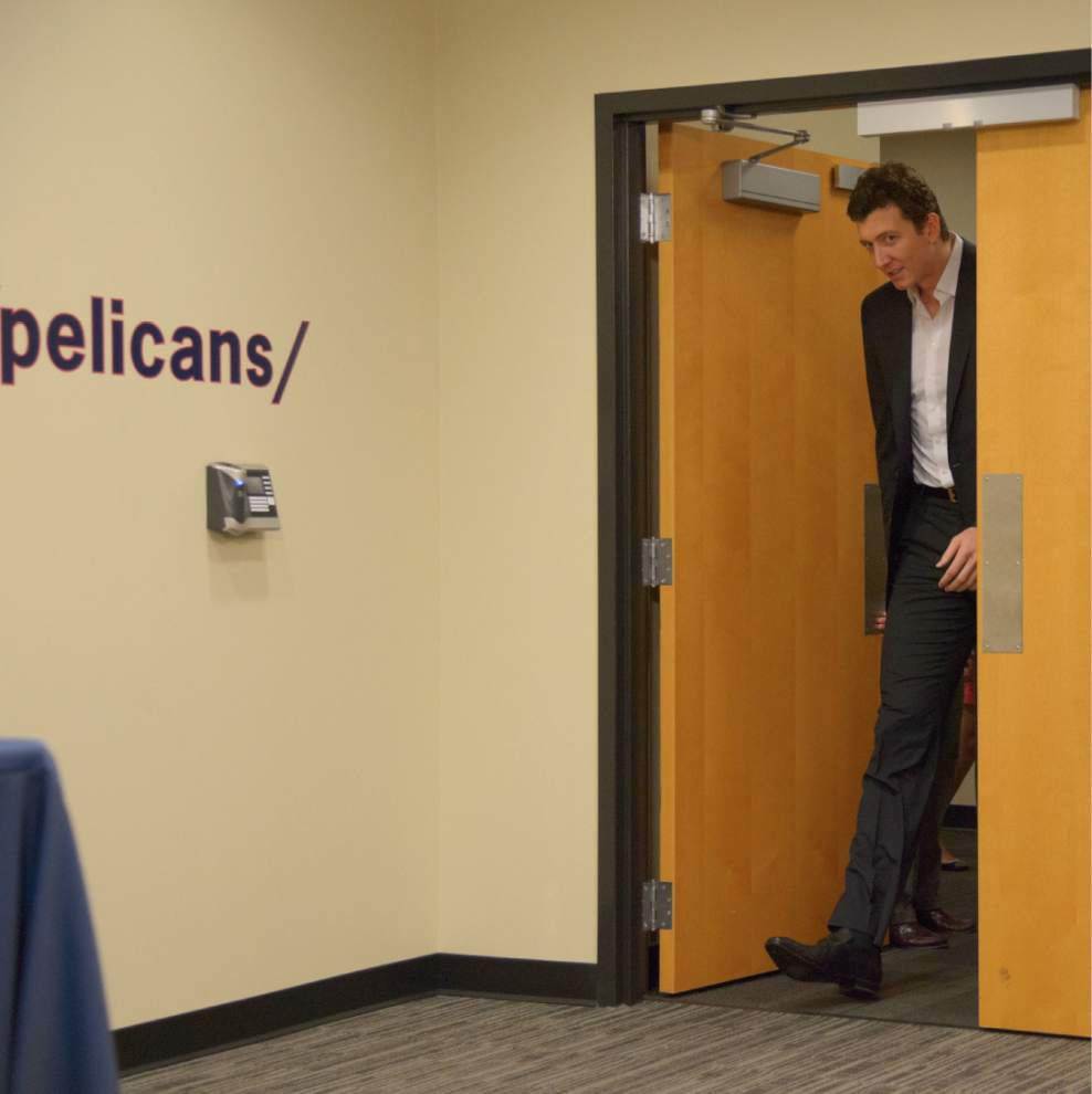 Video: The Pelicans officially welcome Omer Asik _lowres