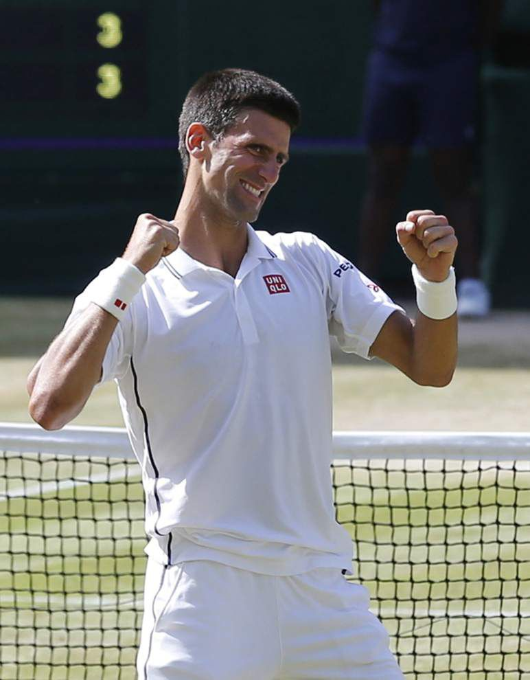 Roger Federer, Novak Djokovic show young bucks how it's done in Wimbledon semifinals _lowres