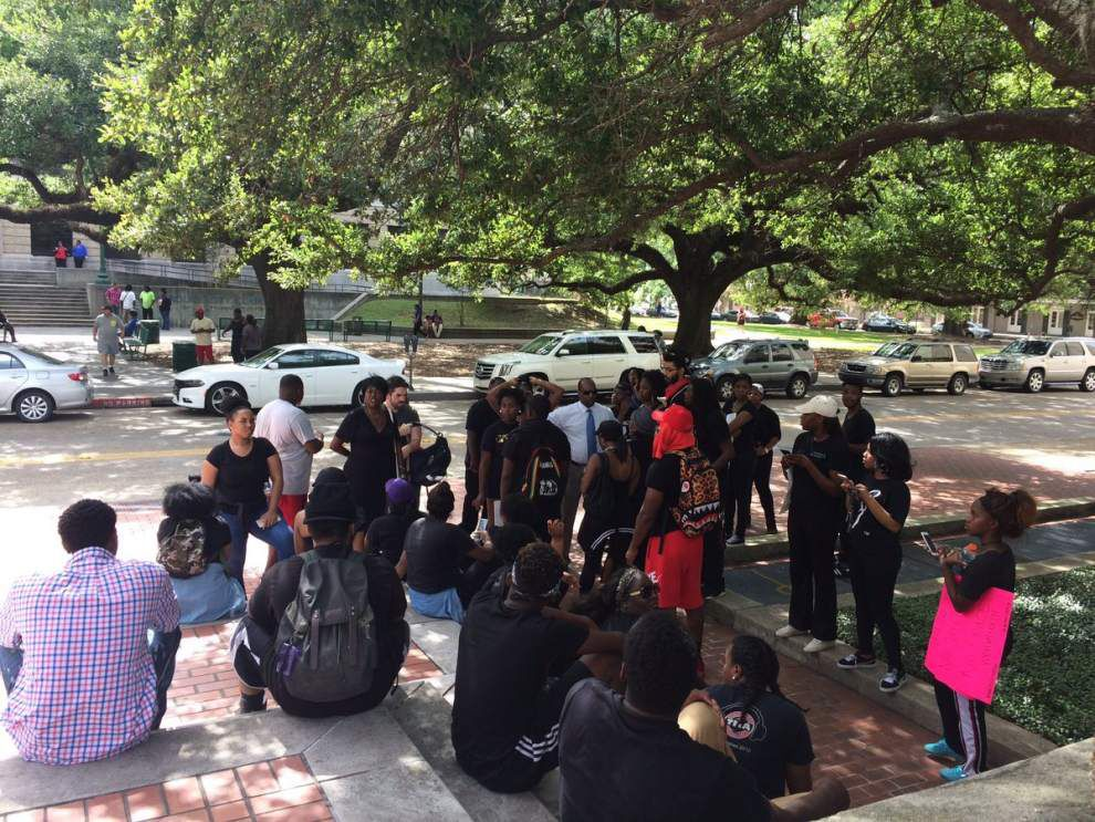 Protesters at Baton Rouge City Hall call for Mayor-President Kip Holden to resign _lowres