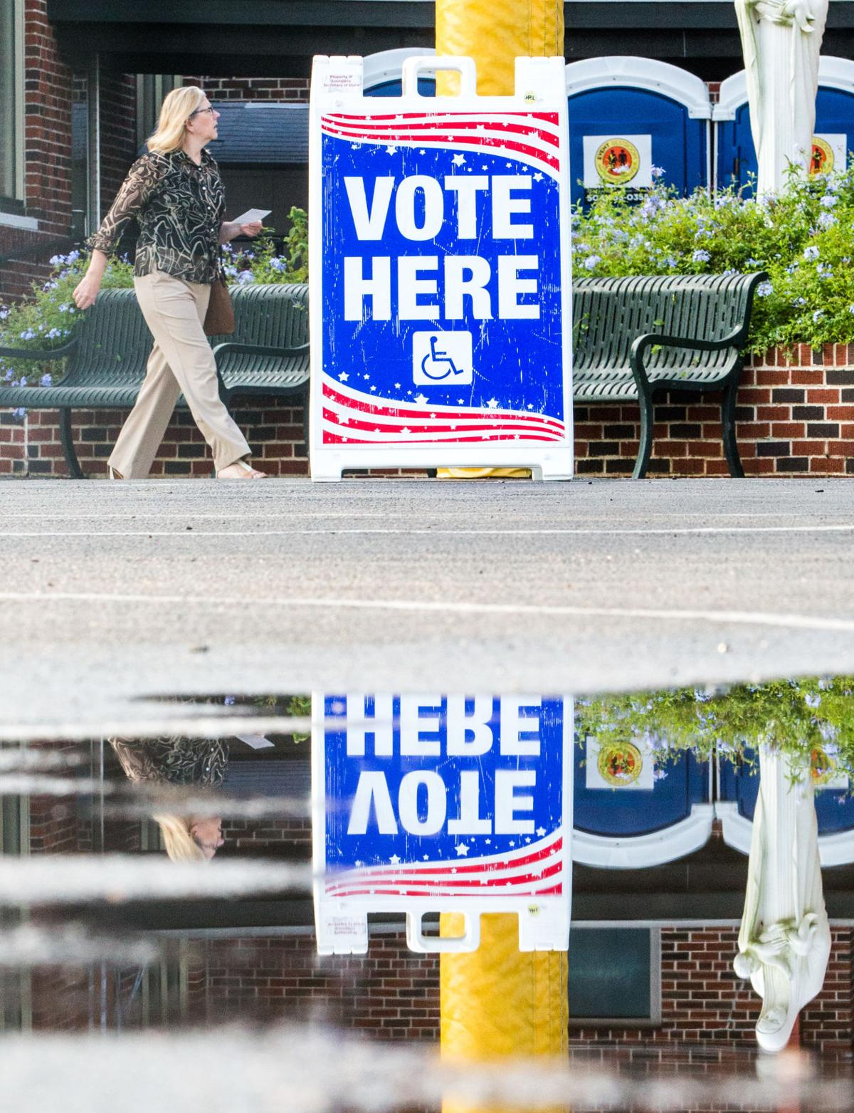 NO.electionday.110718.10