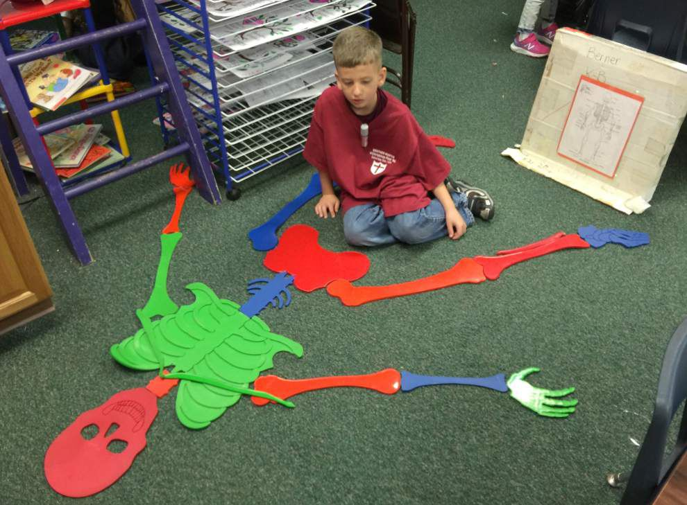 Kenner kindergartners explore the components of their bodies _lowres
