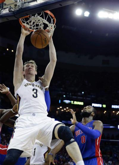 With Asik, Ajinca hobbling, Pelicans go to small lineup _lowres