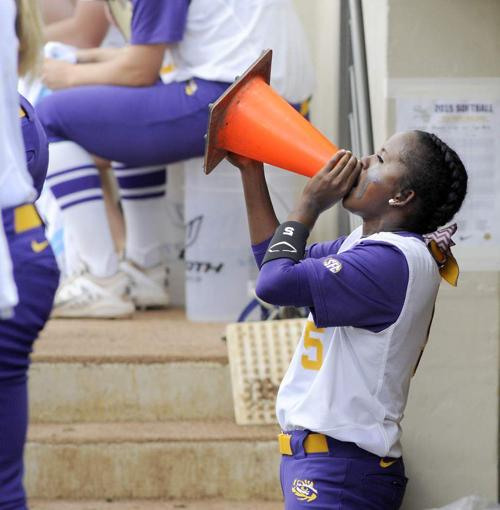 Bailey Landry's huge day helps the LSU softball team to an 8-0 victory over Arizona to open the Baton Rouge super regional _lowres