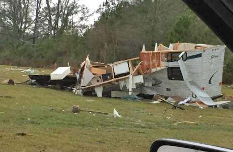 Tornado knocks down trees, power lines near Amite _lowres